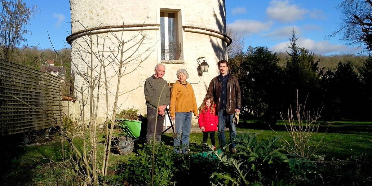 Jean Pierre, Lisette et Emmanuel cojardinent