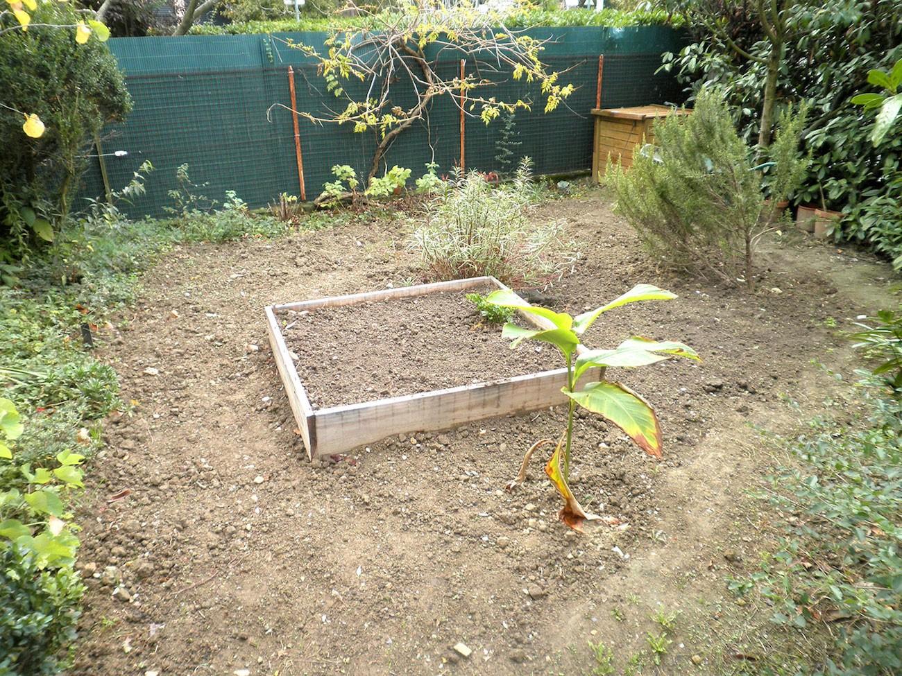 Andréas prête son jardin à Luis