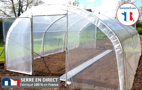 Serre en direct professionnel du jardin for Installer une serre de jardin
