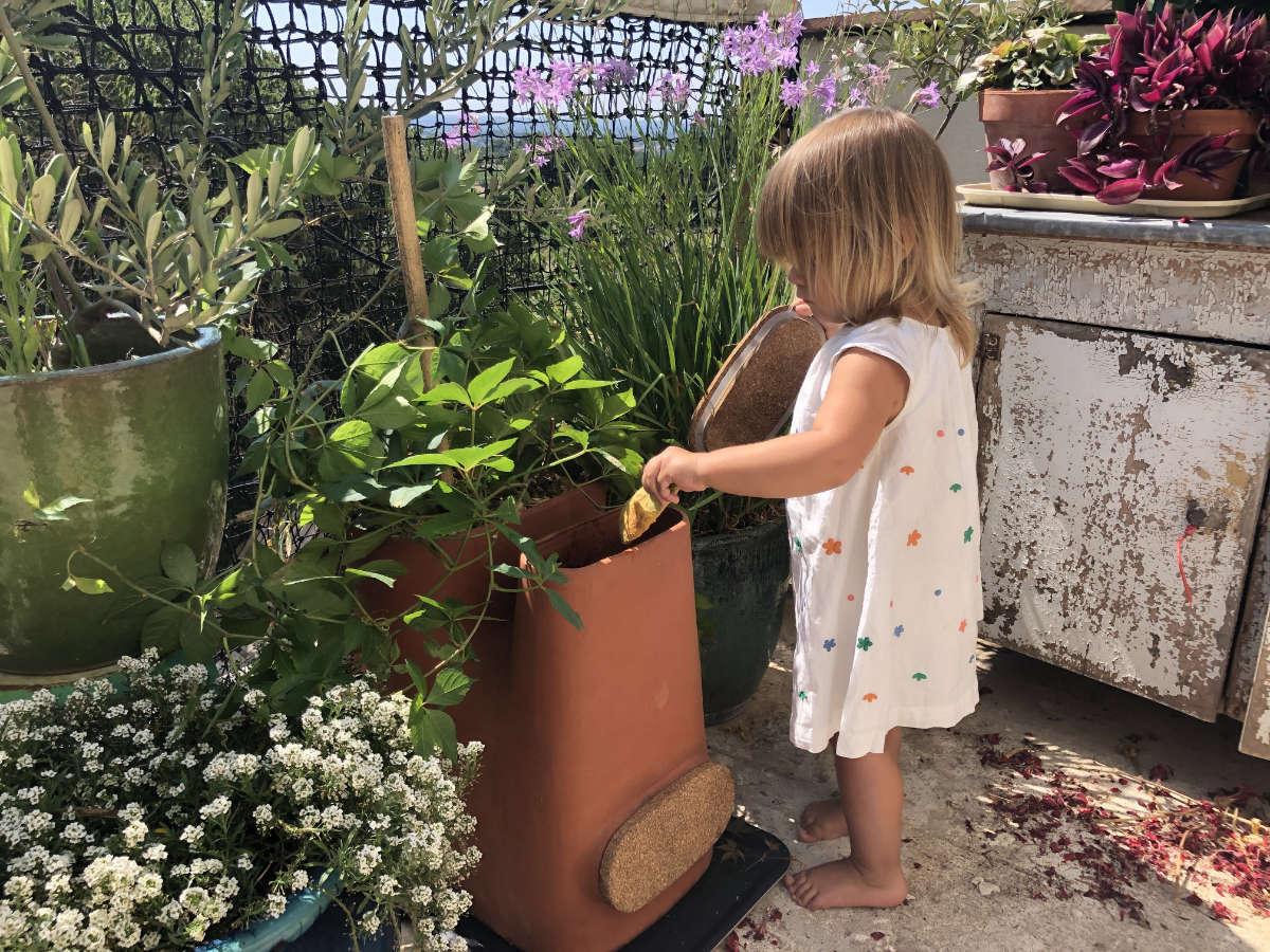 Valeur éducative du pot de fleurs composteur